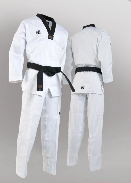 Un dobok es un uniforme de entrenamiento de taekwondo